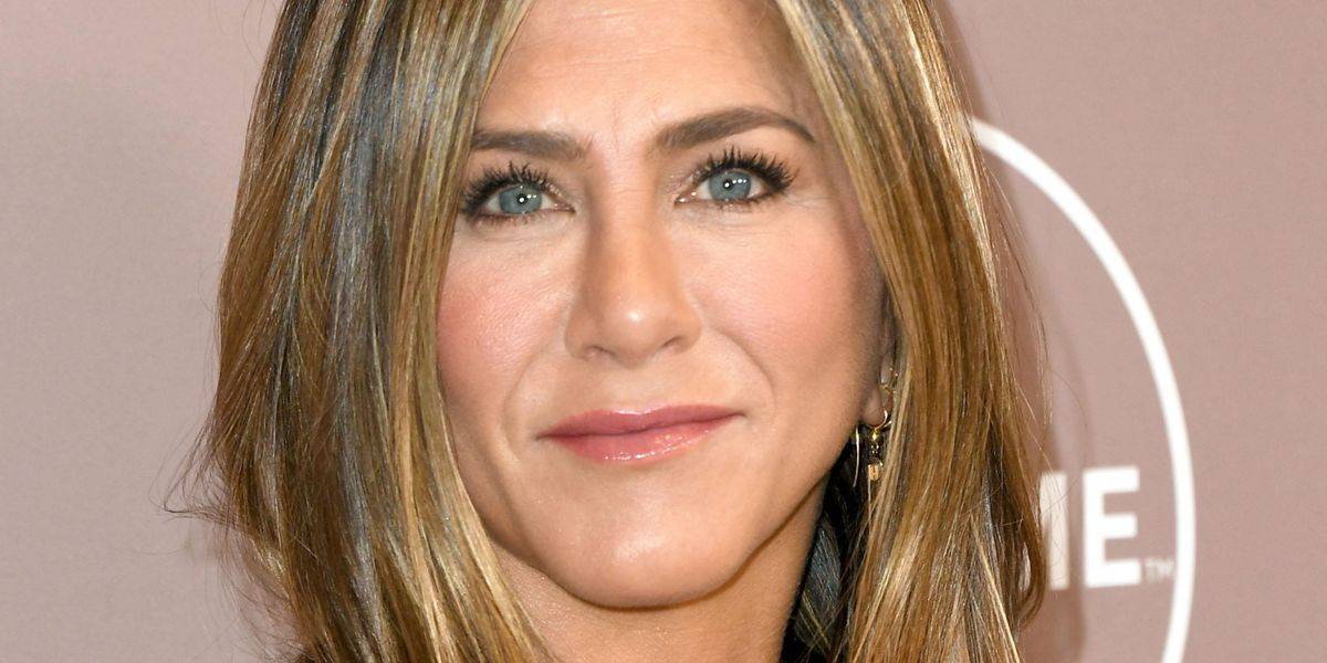 Jennifer Aniston Says She Had to Cut Off Some of Her Friends Who Didn't Want to Get Vaccinated