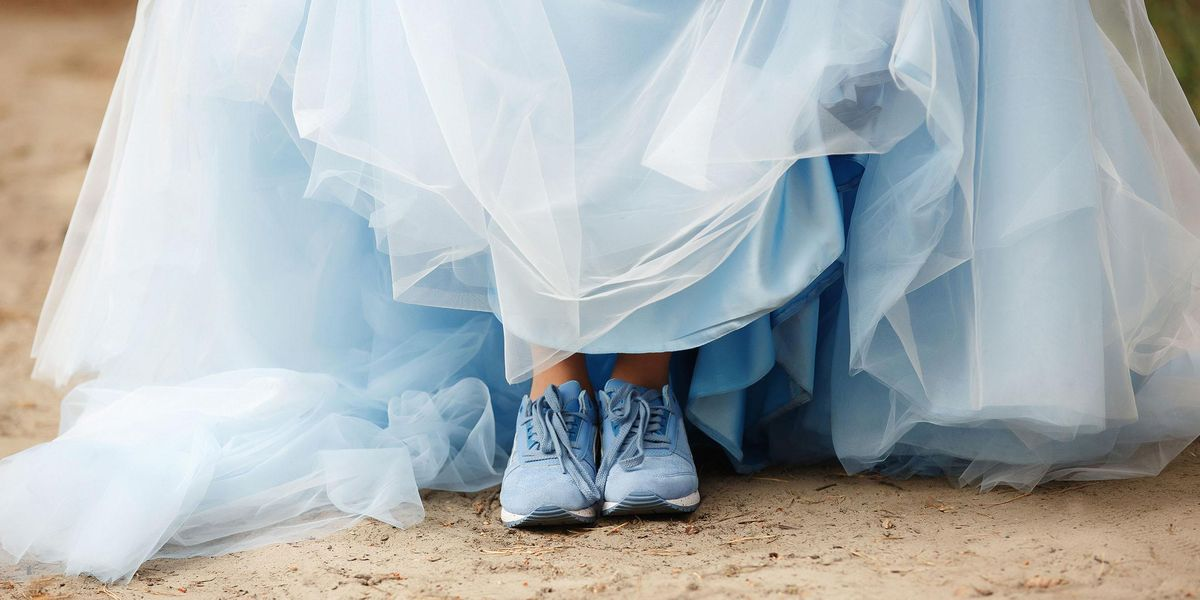 Bride Accused of 'Tearing Her Family Apart' by Choosing To Wear a Blue Wedding Dress