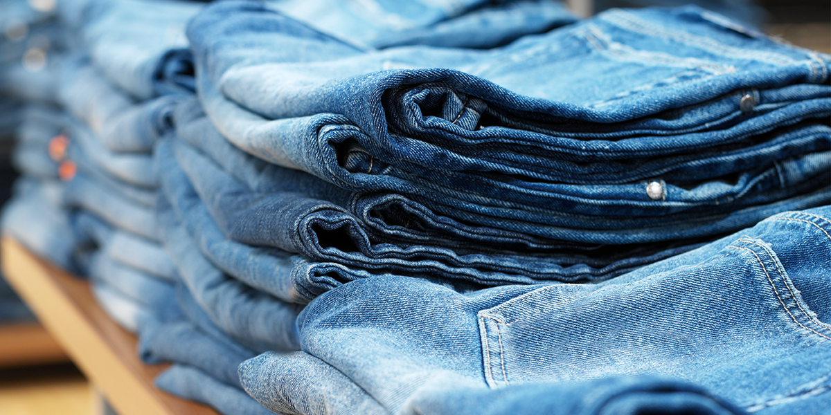 TikToker Goes Viral for Incredible Hack To Keep Loose Jeans From Falling Down