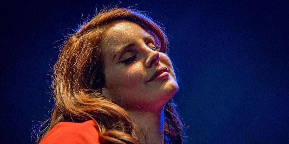 Lana Del Rey Quits Social Media