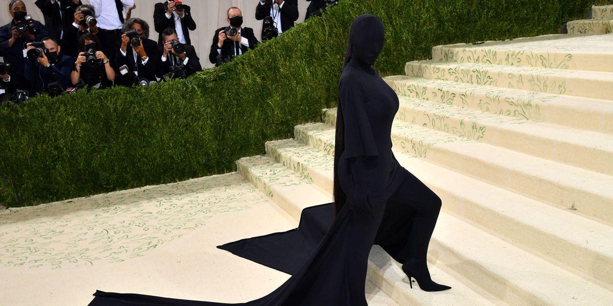 Kim Kardashian's Met Gala Look Is Meme Gold
