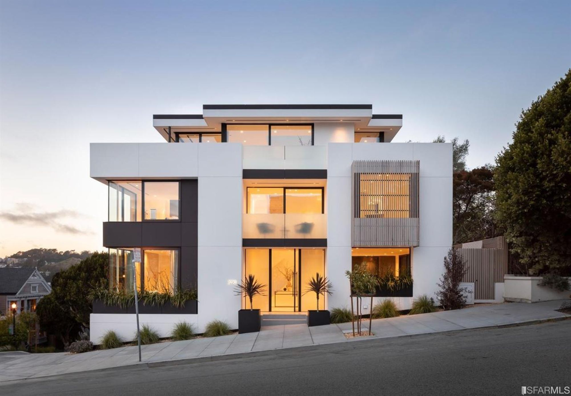 Modern Dolores Heights 'Bauhaus' with views asks $6.85 million
