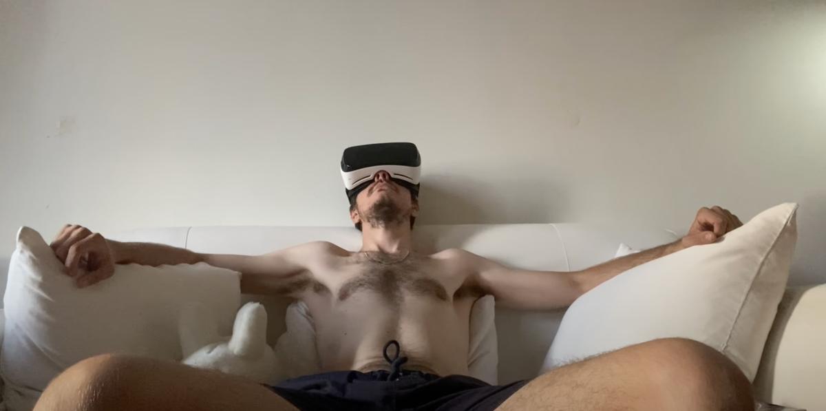 Sebastian Sommer Premieres His Last Short Film 'Apostrophe'