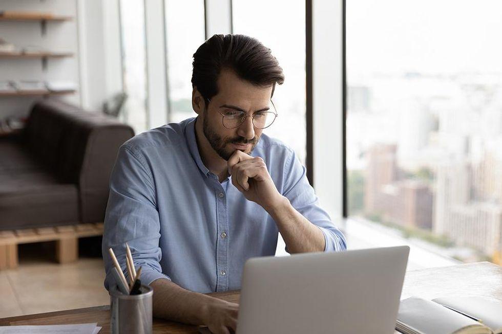 Job seeker dealing with job search fears