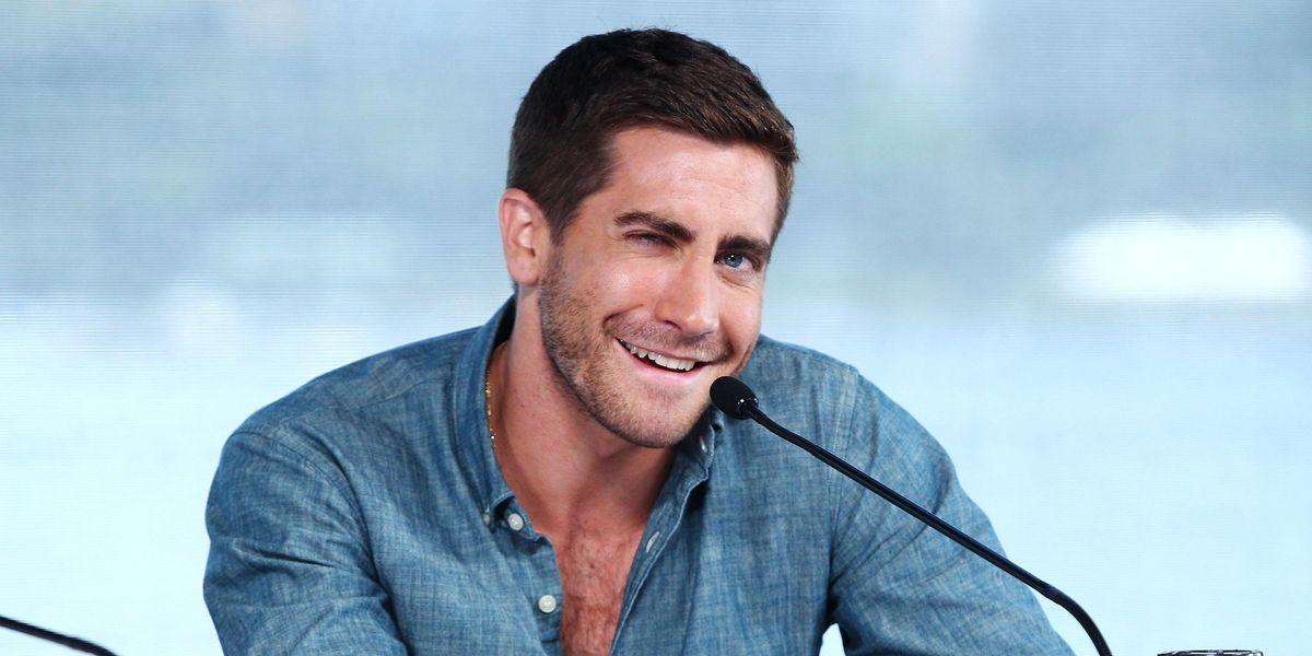 Is Jake Gyllenhaal Sweating Taylor Swift's 'Red' Re-Release?