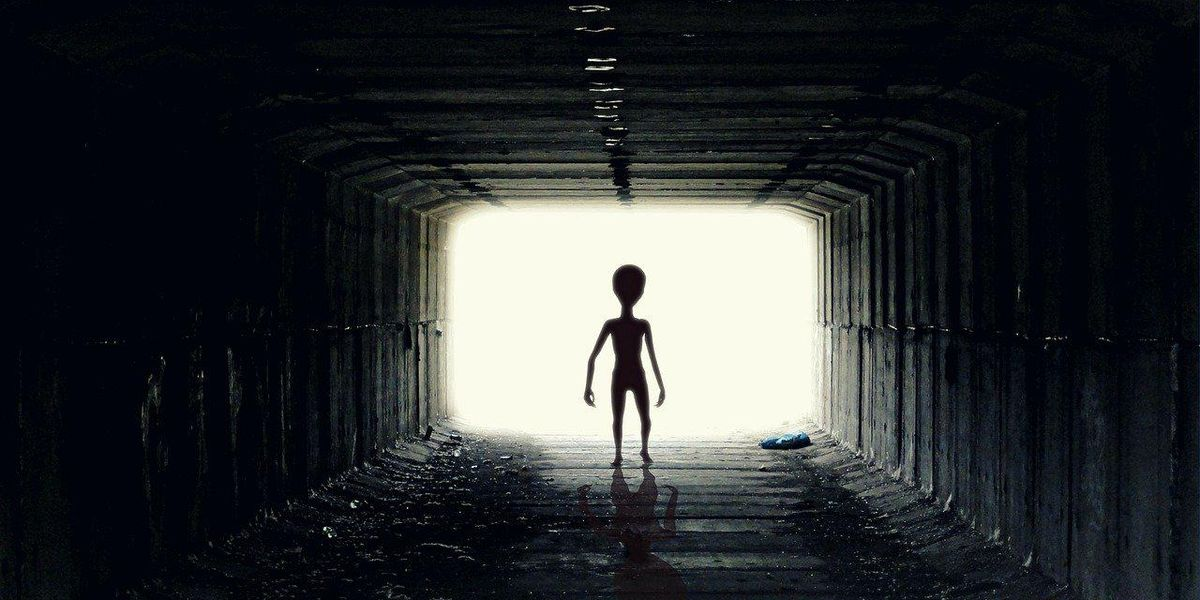 People Share The Best Theories About Aliens They've Ever Heard