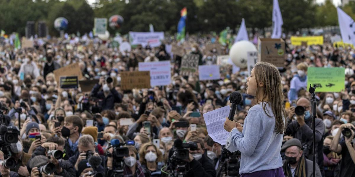 Hundreds of Thousands Take to Streets Worldwide for 'Uproot the System' Climate Strikes