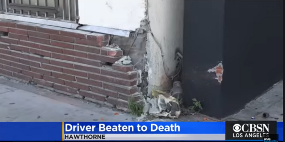 Crowd surrounds, beats man to death after he allegedly tried to hit people with his vehicle