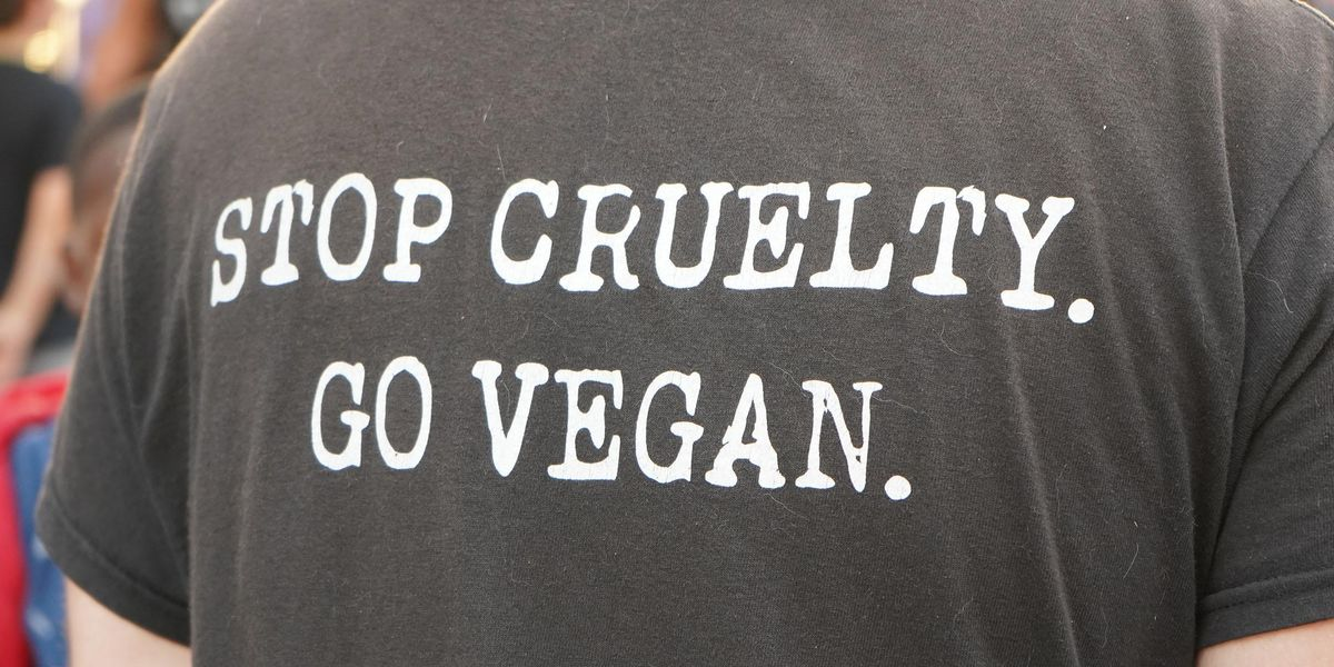 Outraged Vegan Woman Accuses Store of Tricking Her Into Eating Meat
