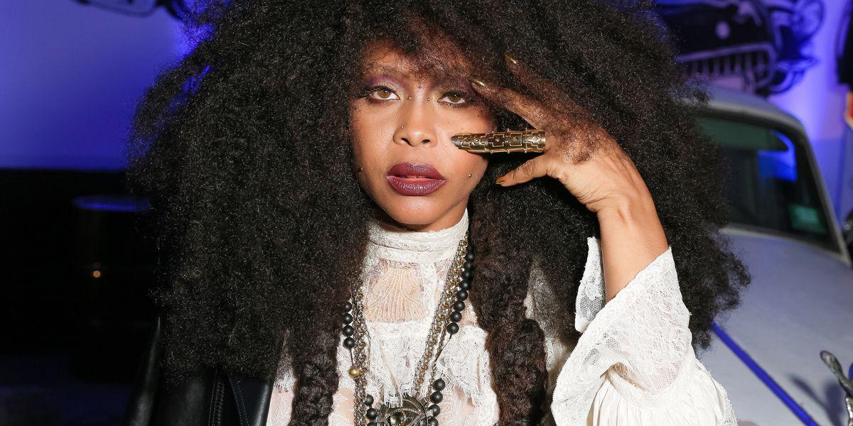 "Erykah Badu Calls Out Iggy Azalea For Being ""Definitely Not Rap"""