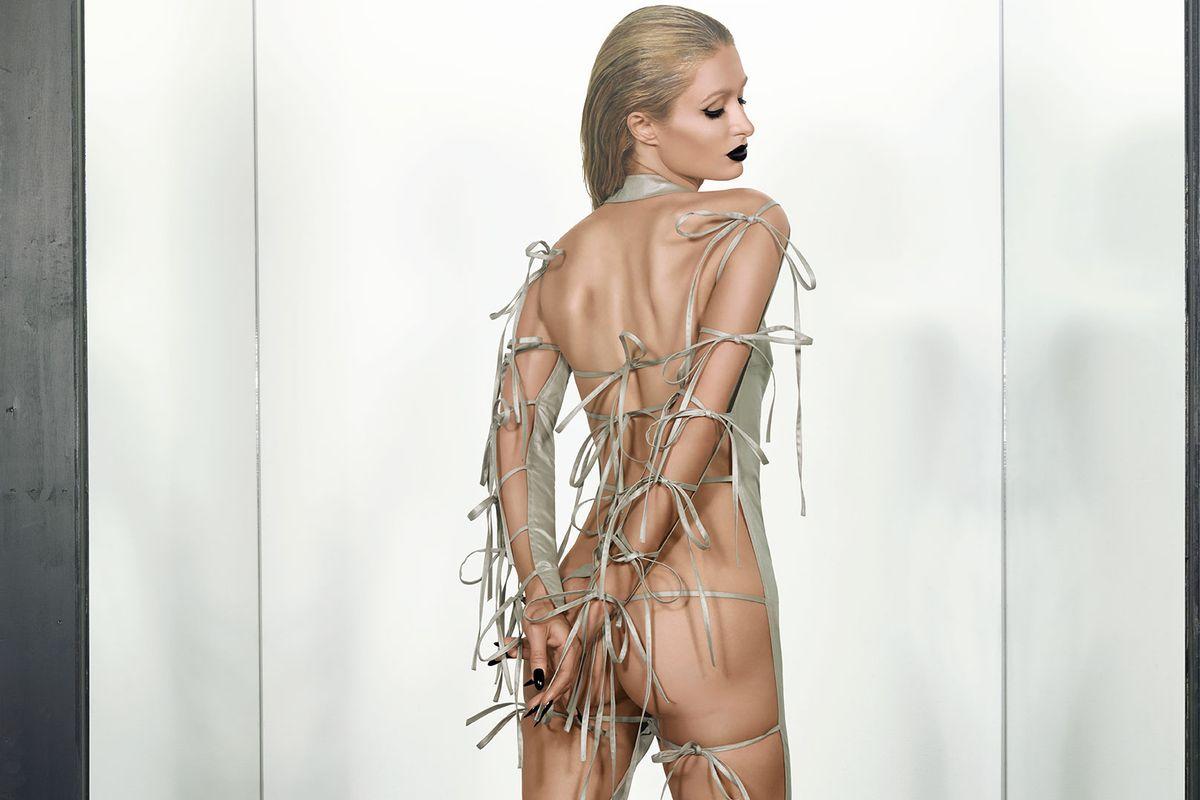 Paris Hilton: On Garde