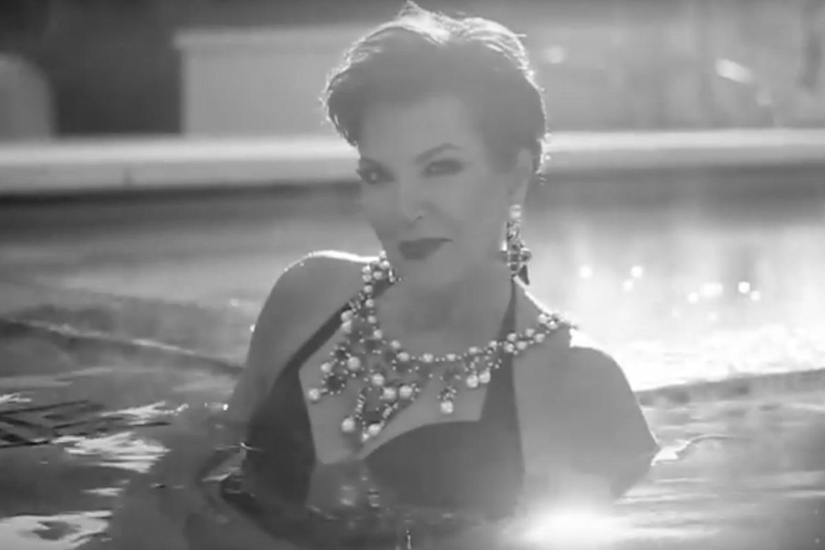 "Watch Kris Jenner Sexily Swim Around to ""Trap Queen"""