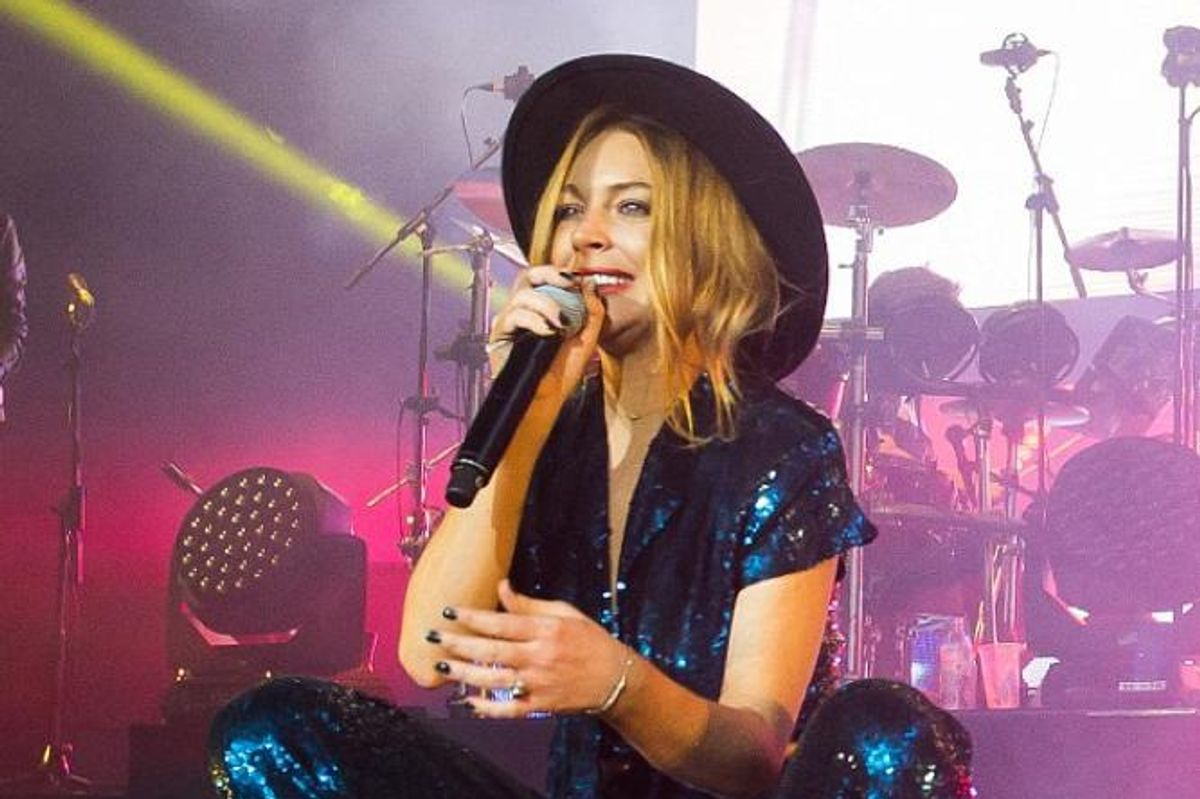 Watch Lindsay Lohan's Tranquilized Performance During The Duran Duran Concert In London