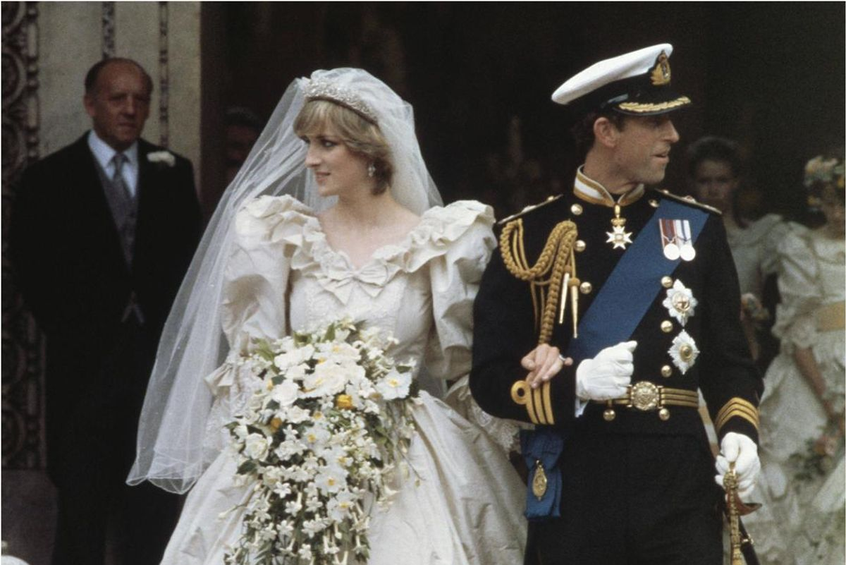 34-Year-Old Fruitcake From Princess Diana's Wedding Just Sold For $1,375
