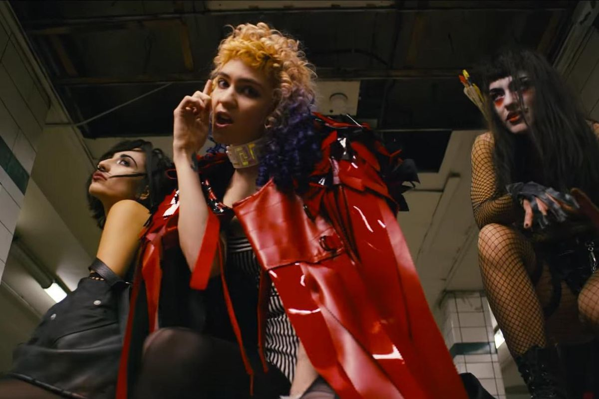 """Grimes Has Won The Internet Today With Her Self-Directed Video For """"Kill V. Maim"""""""