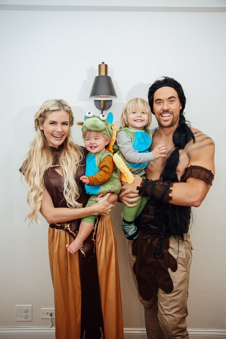 8a2674cf 40 Halloween costume ideas the whole family will love - Motherly