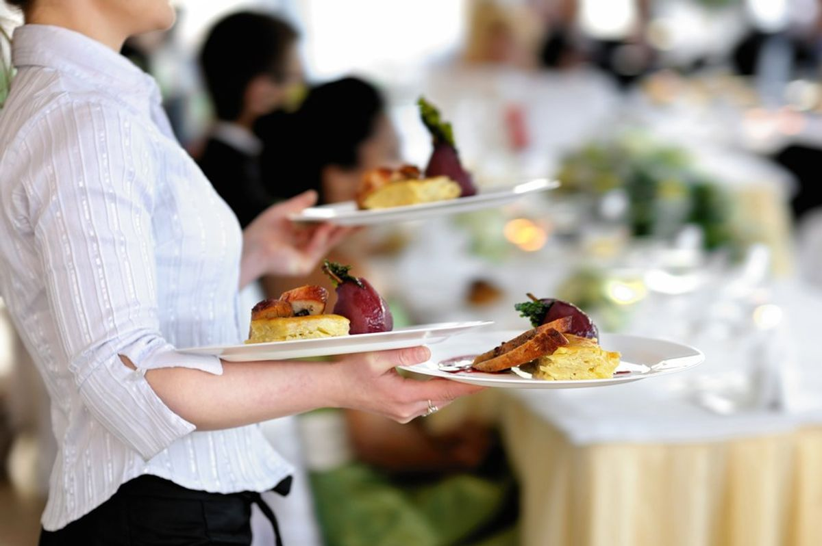 8 Reasons Why Everyone Should Work In The Service Industry At least Once.