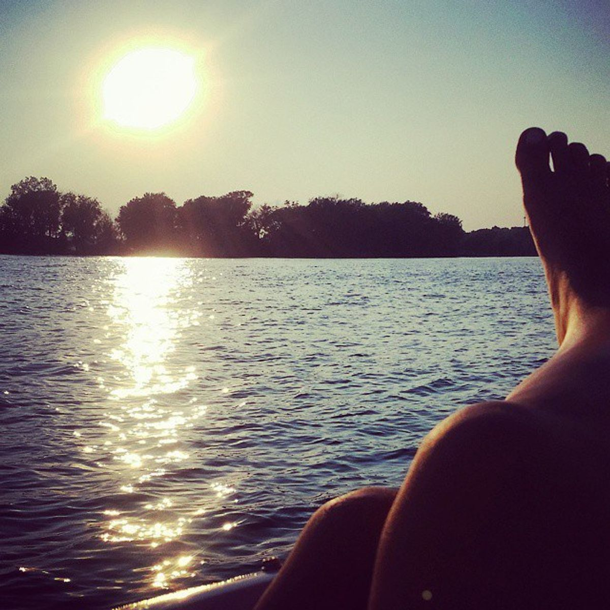 12 Things Anyone with a Lake House Can Relate To