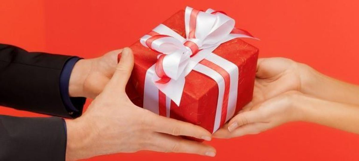 The Difficulty of Buying Gifts For Your Boyfriend