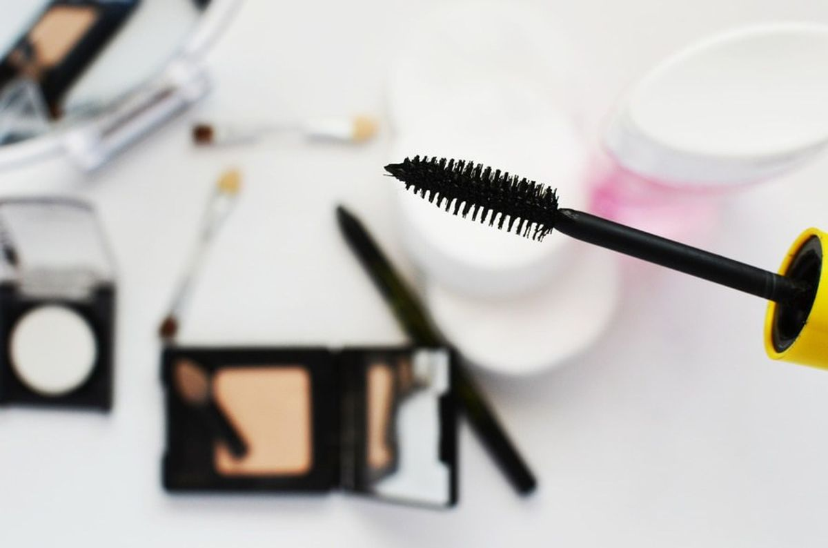9 Things That Happen To Girls Who Don't Wear Makeup