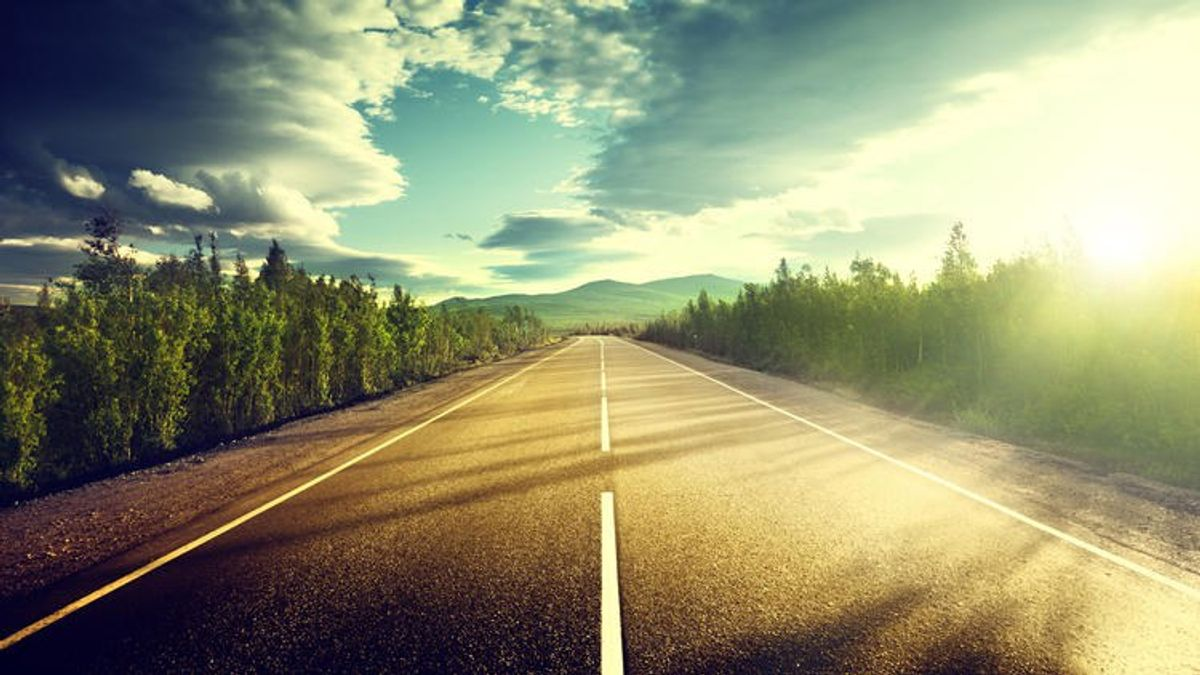 Why Solo Road Trips Make The Best Therapy