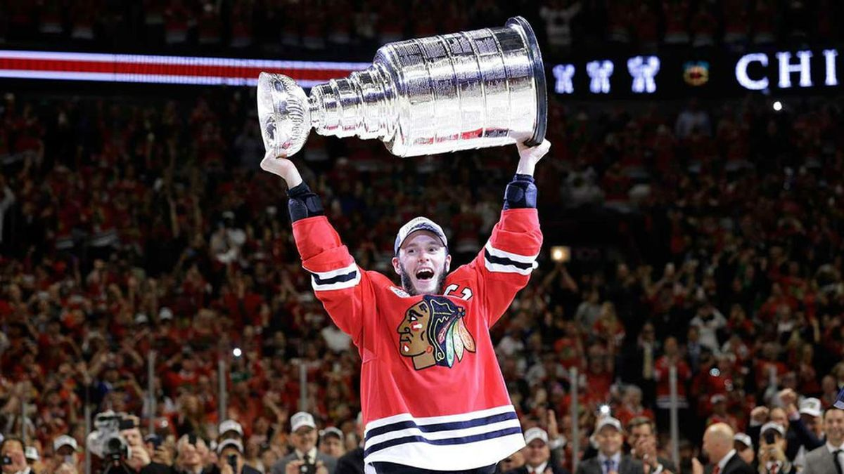 5 Reasons Why Jonathan Toews Is The Best Captain In The NHL