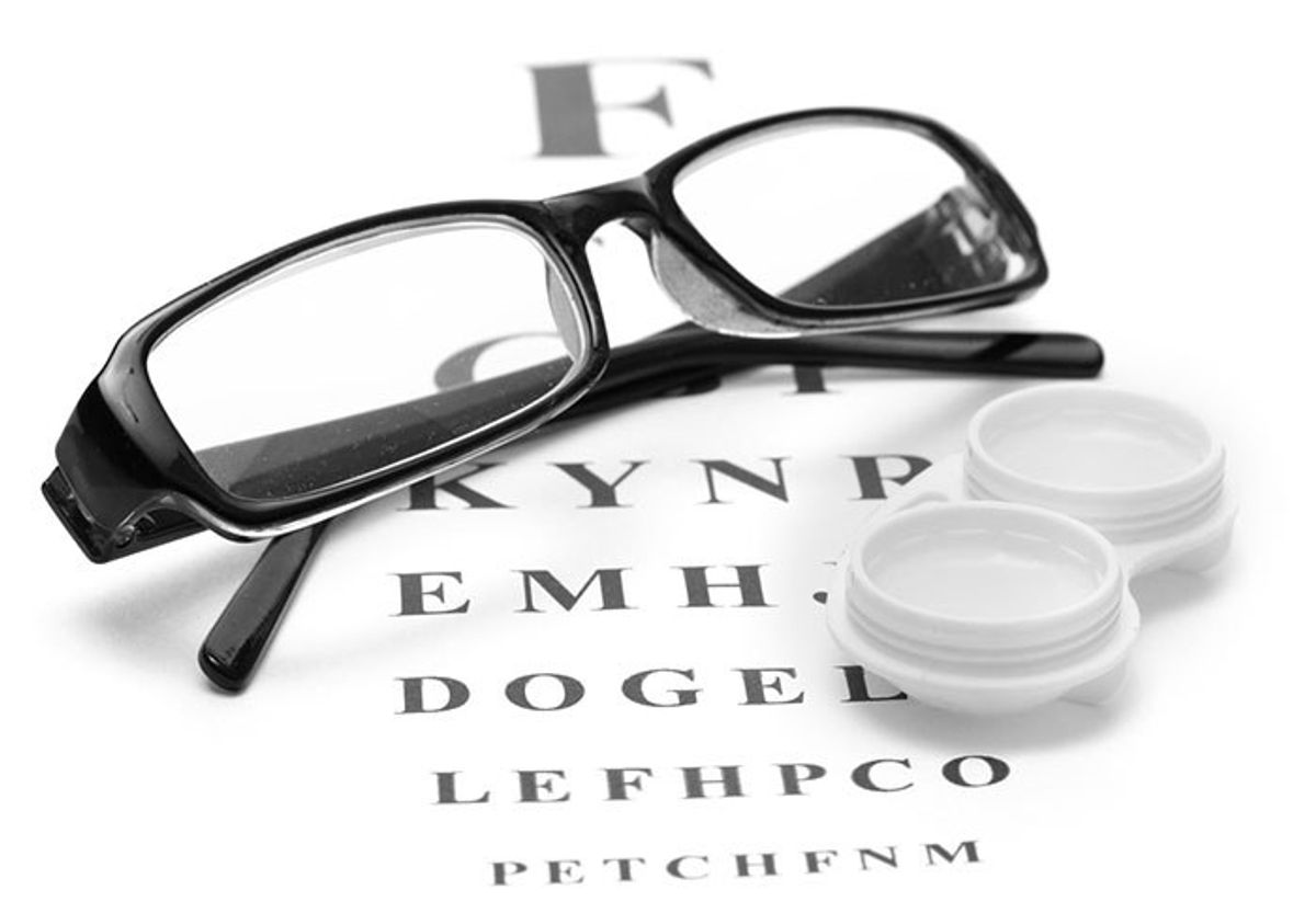 14 Struggles That Glasses and Contact Lens Wearers Know Too Well