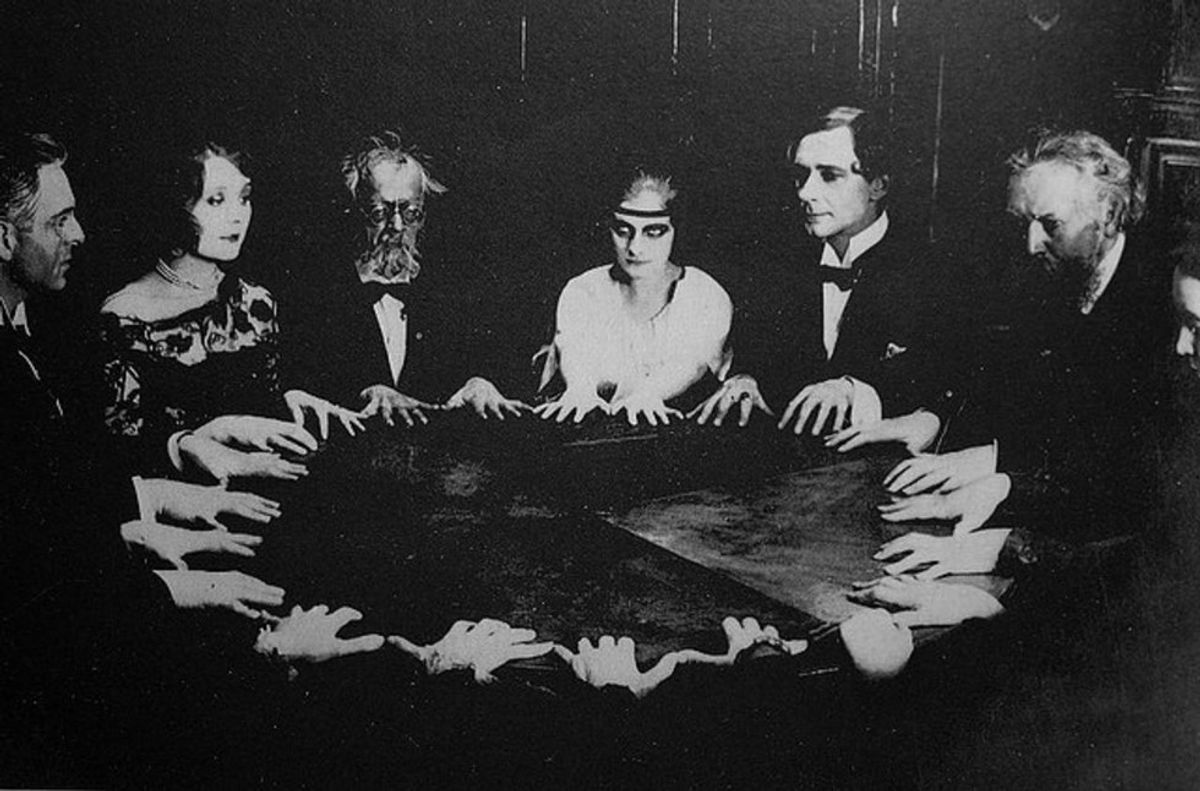 That Time I Did A Seance