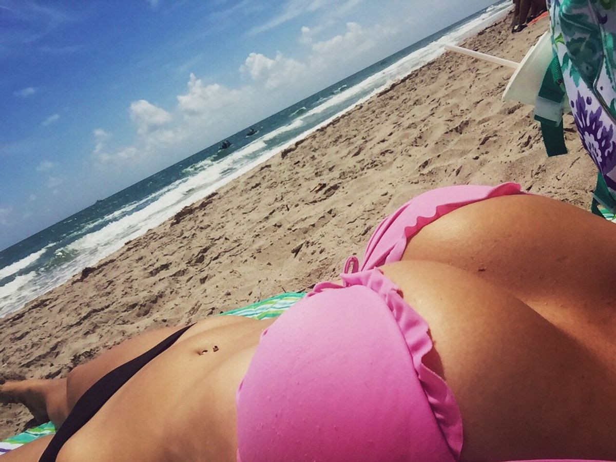 Girl big boobs hello beaches bra on 11 Things Only Girls With Big Boobs Will Understand