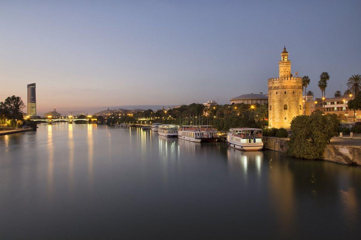 Seville: A Traveler's Guide