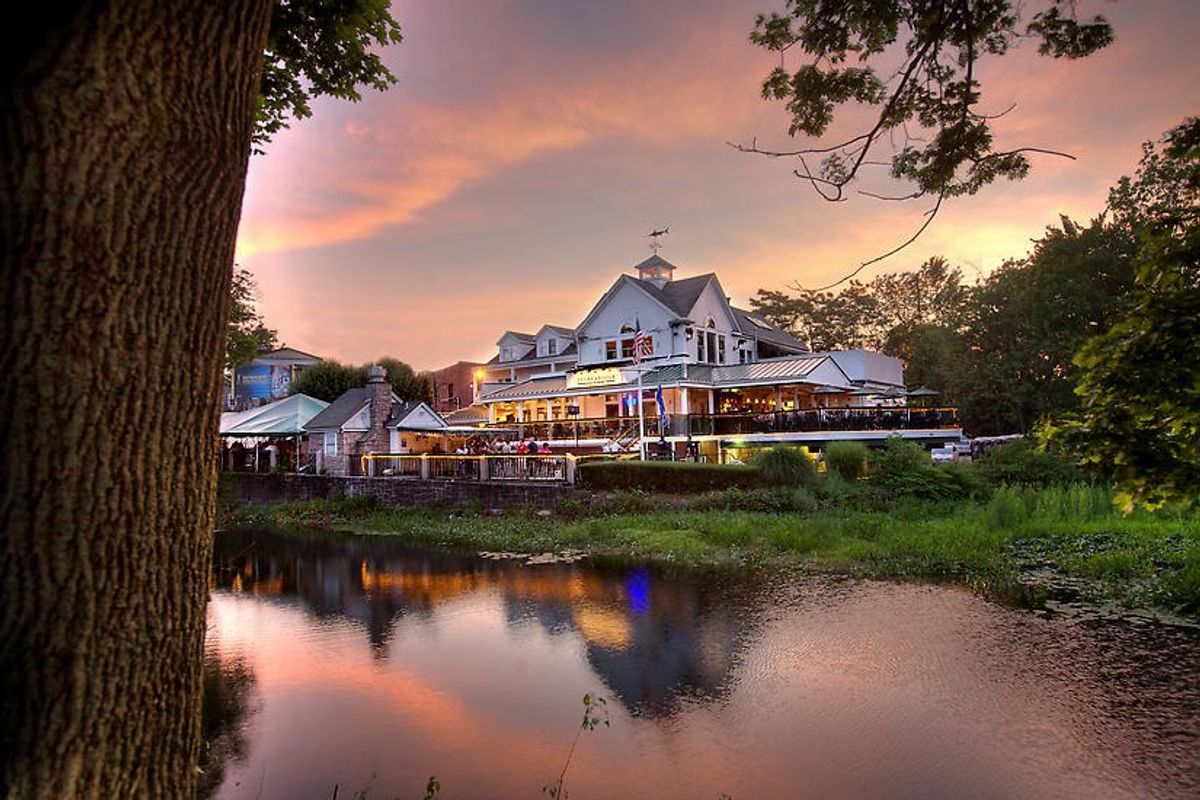 12 Restaurants In Connecticut To Add To Your Bucketlist This Summer