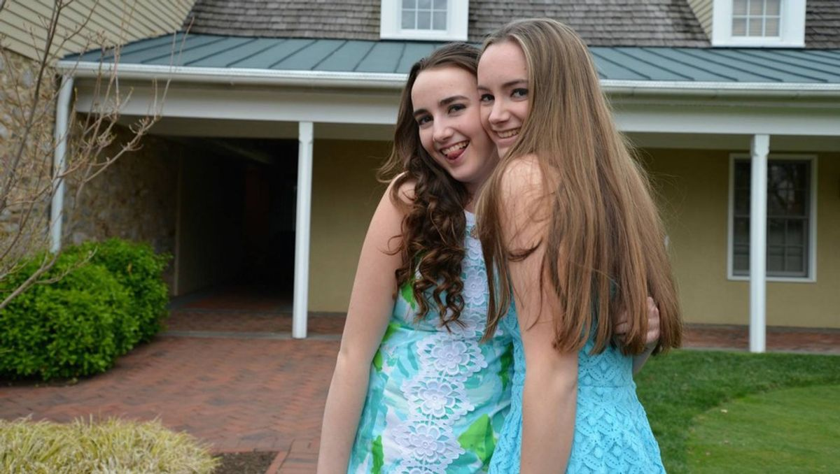 18 Perks Of Having A Sister