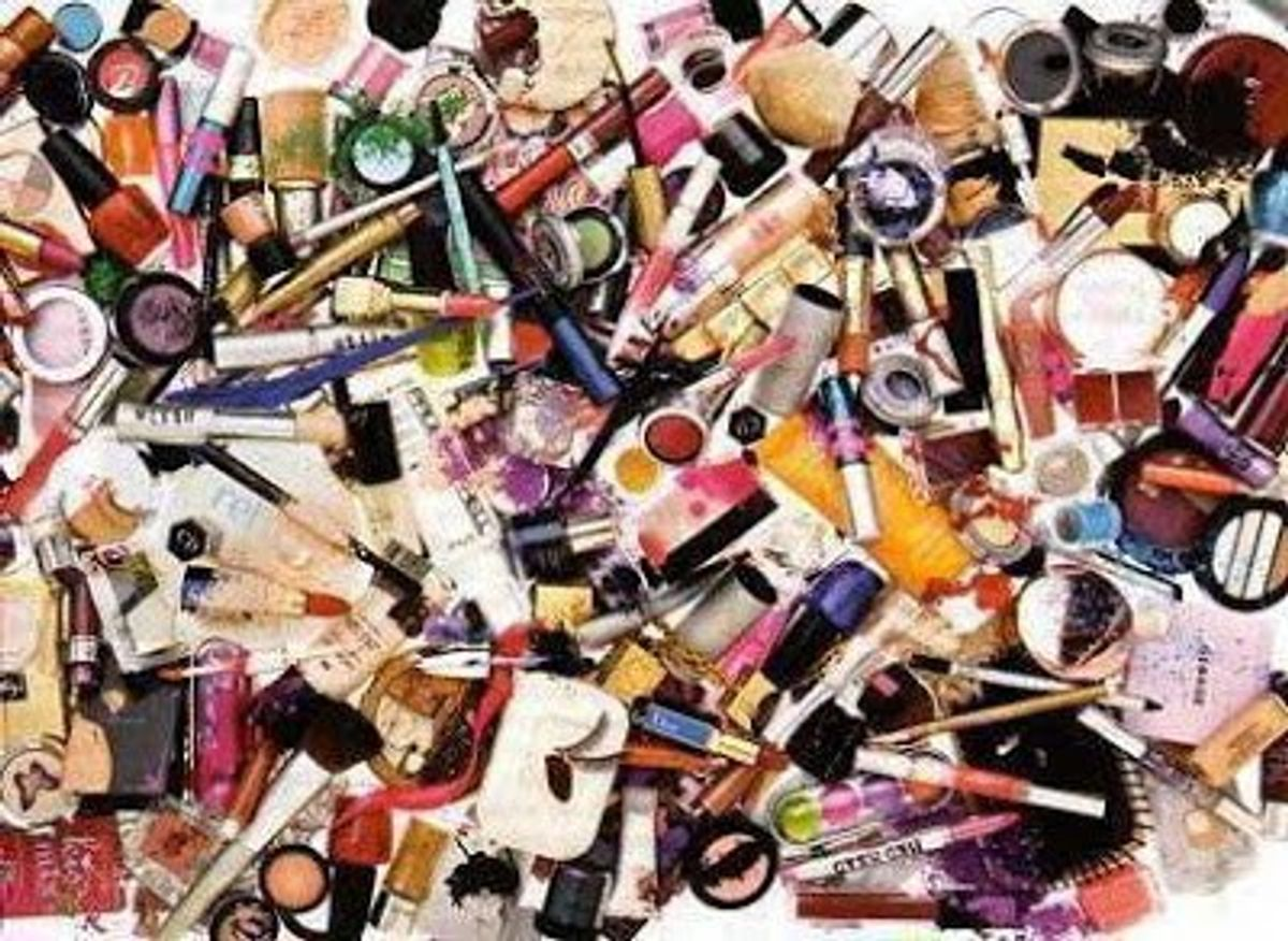 11 Ways To Know You're Addicted To Makeup
