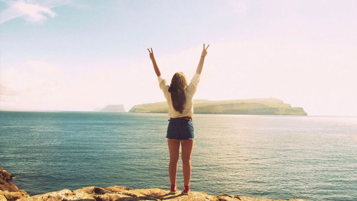 How to Stay Positive When Everything Around You is Negative