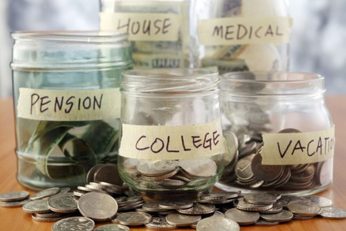 20 Ways To Save Money In College