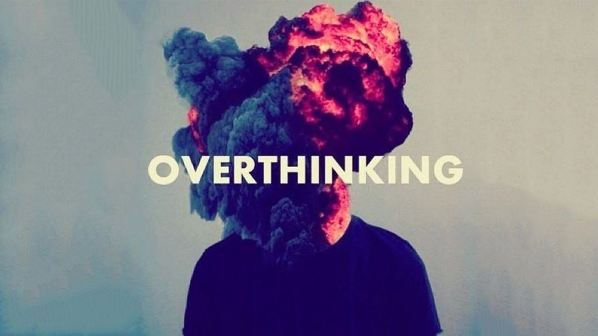 6 Signs You're an Overthinker