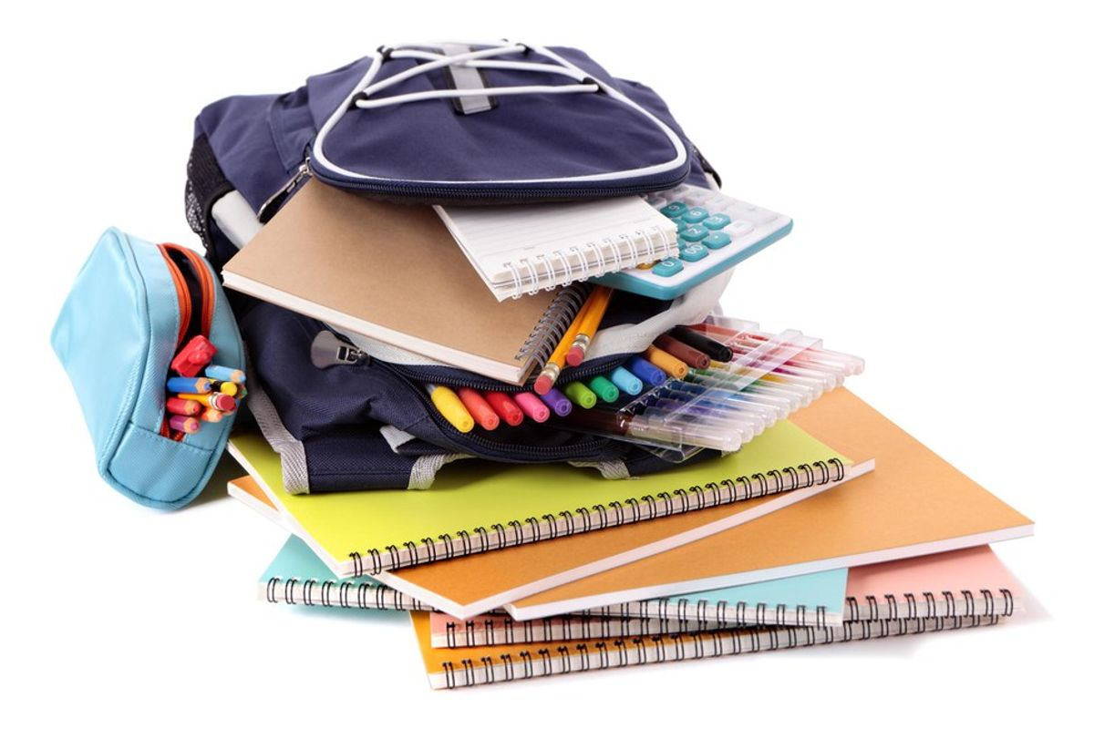Back To School Items That You Should And Should Not Bring To College