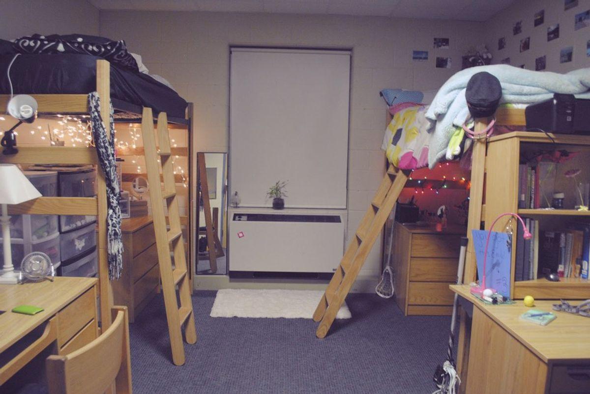 10 Dorm Room Hacks