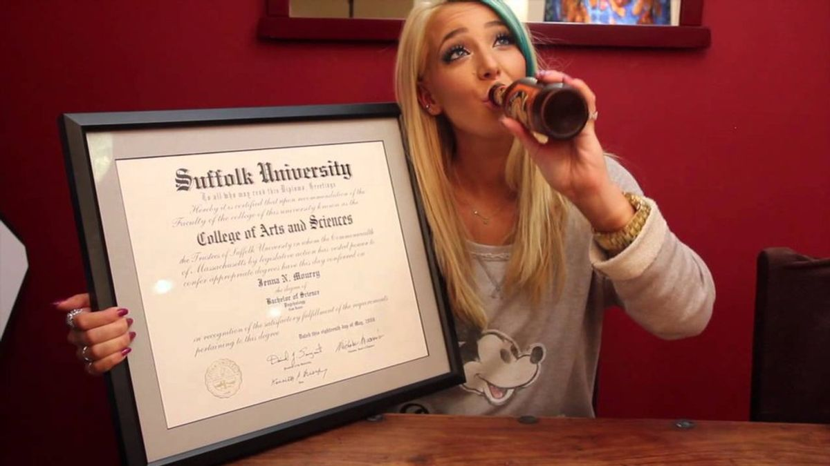 5 Reasons You Should Watch Jenna Marbles
