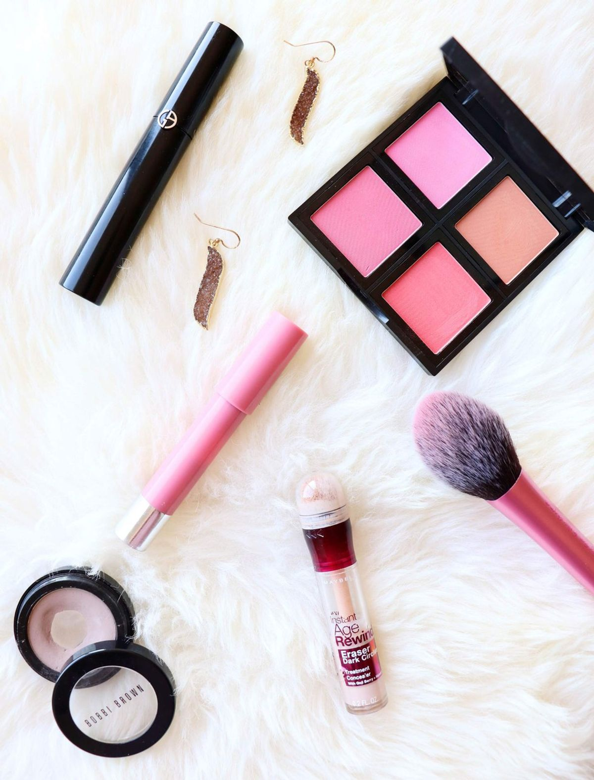 5 Products You Need In Your Makeup Collection