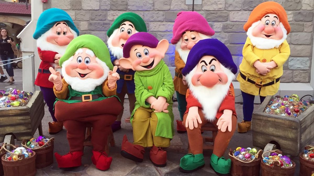 The Seven Dwarfs As College Students