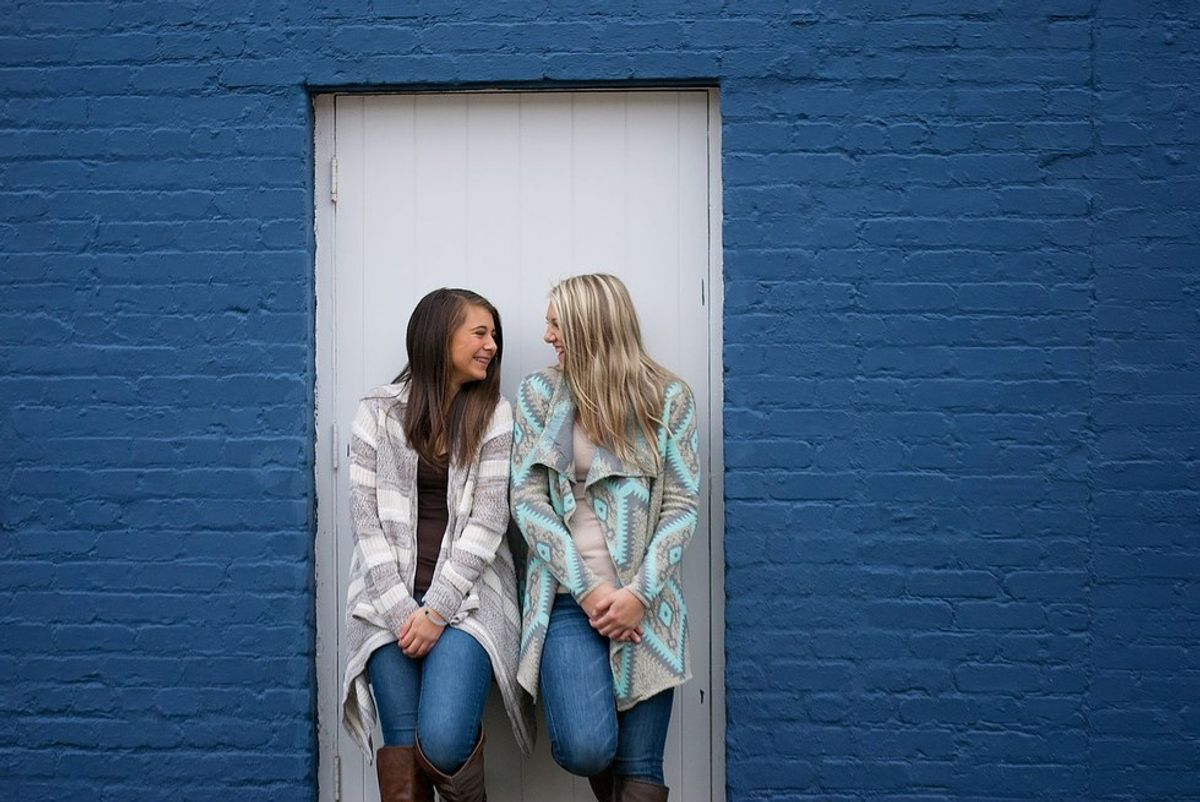 The Pros And Cons Of Living With Your Best Friend