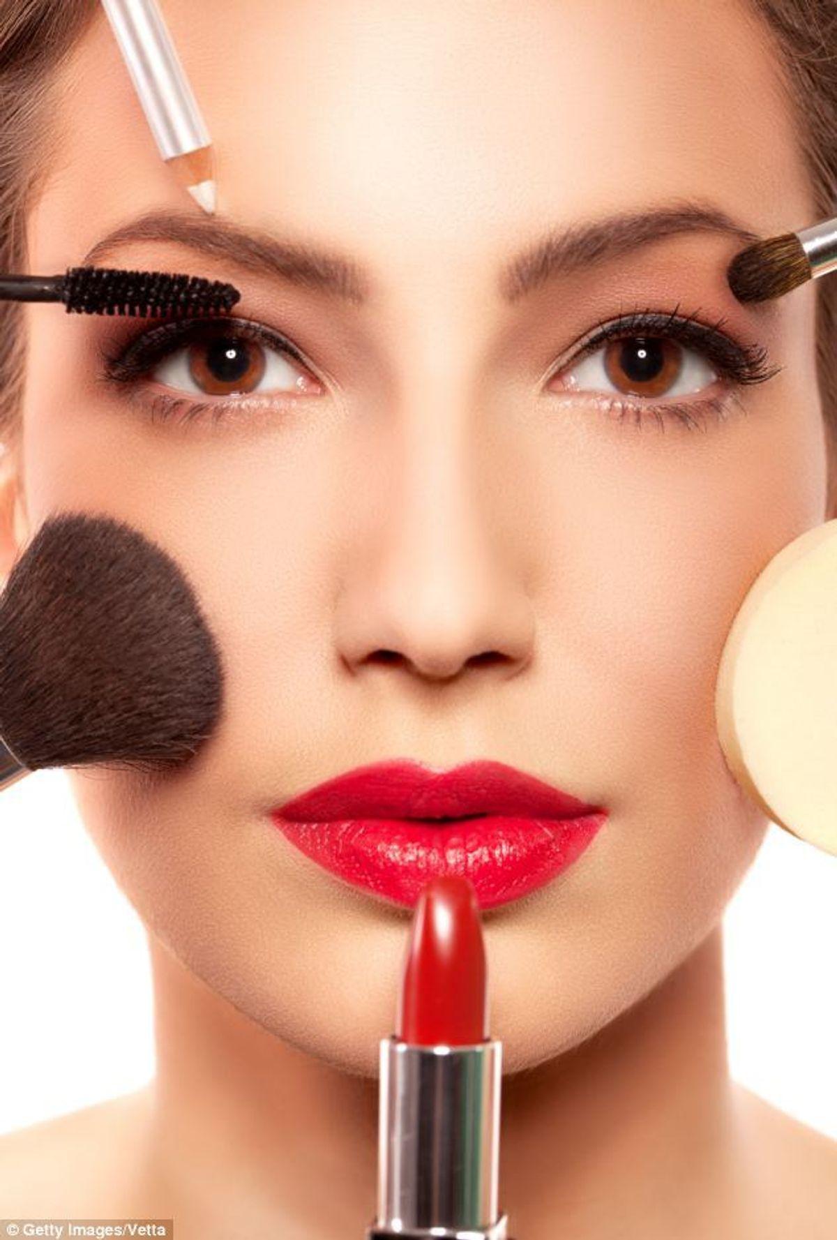 10 Makeup Hacks: Become A Pro