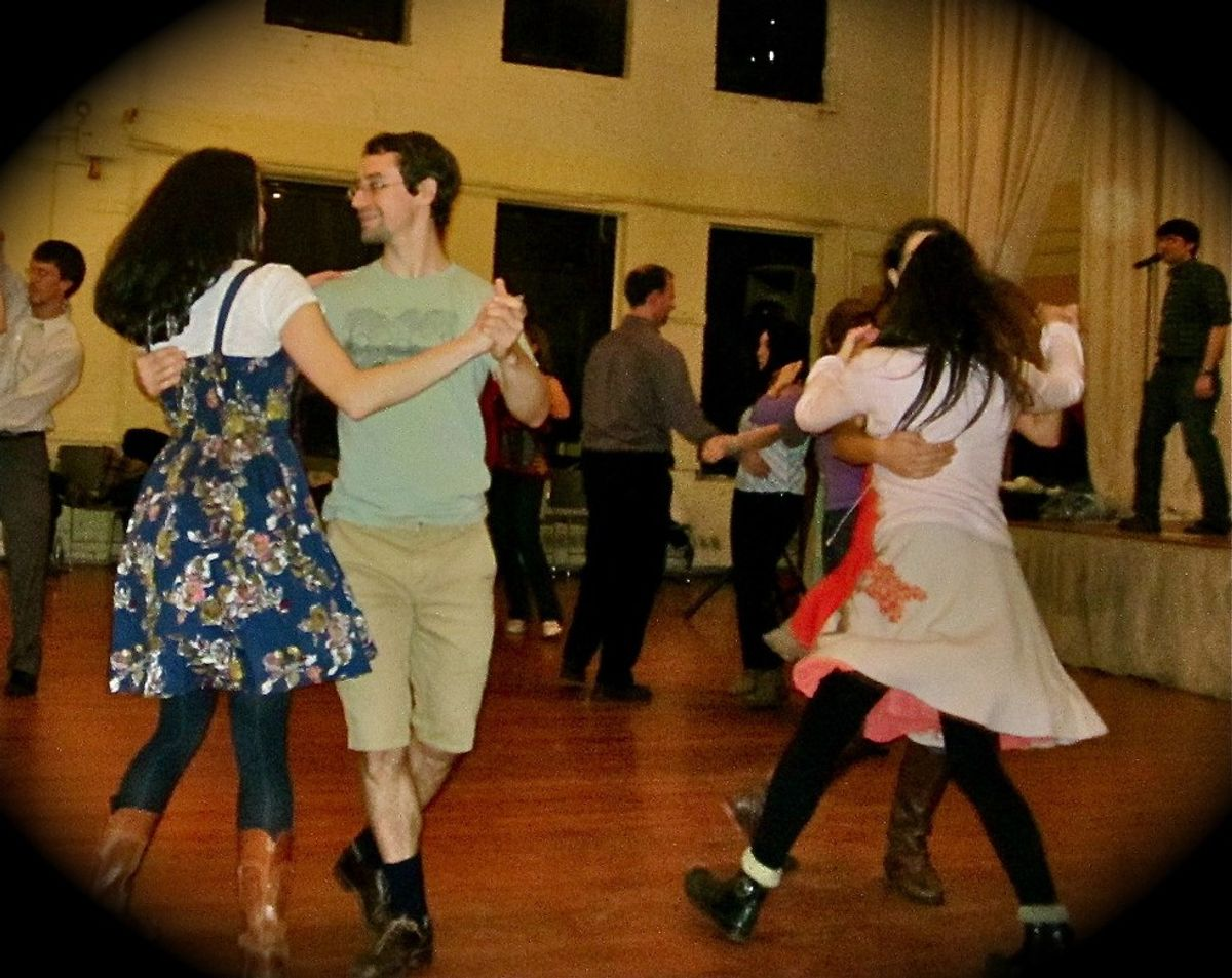 11 Reasons Why You Should Go Contra Dancing