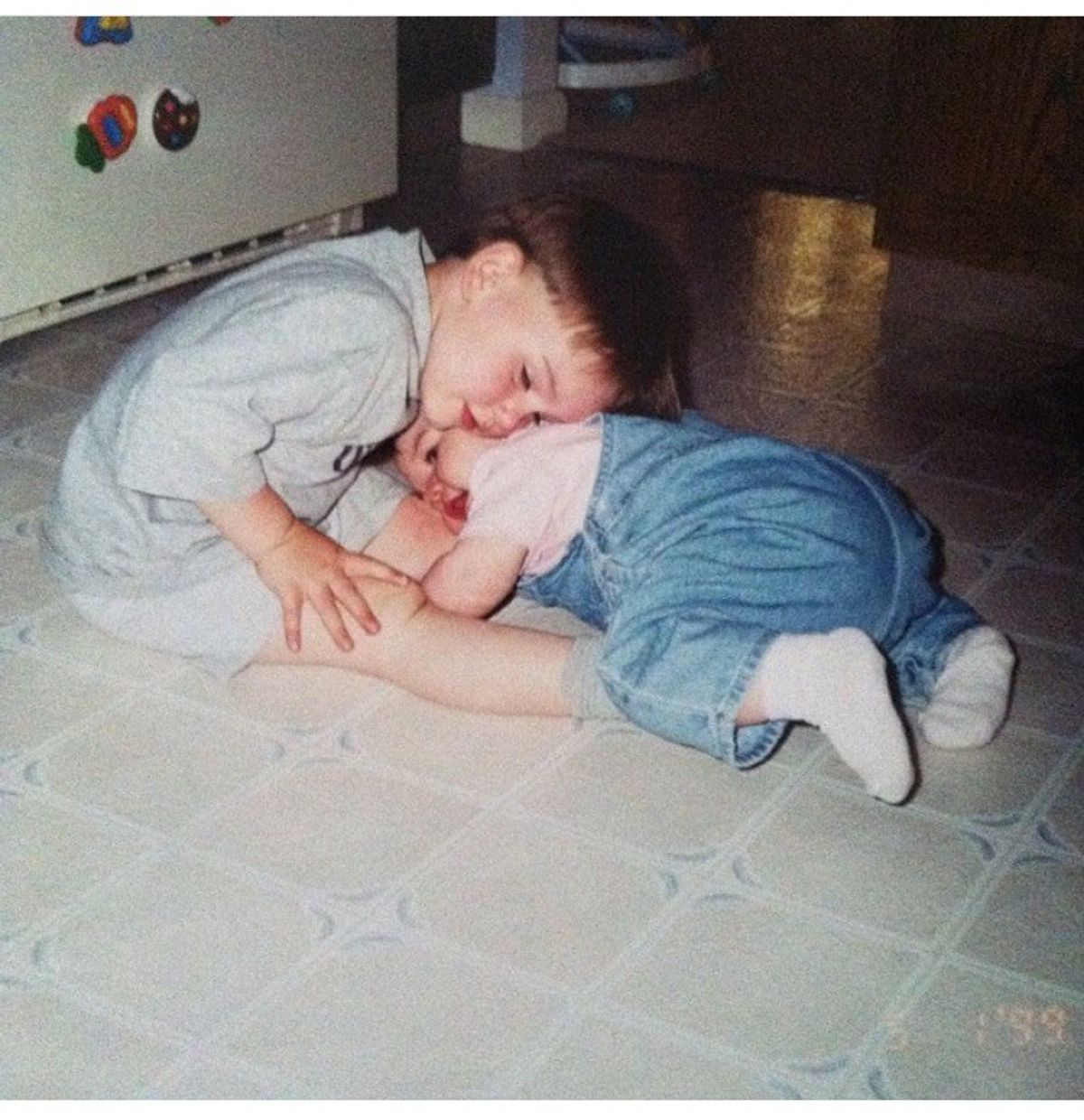10 Perks Of Growing Up With An Older Brother