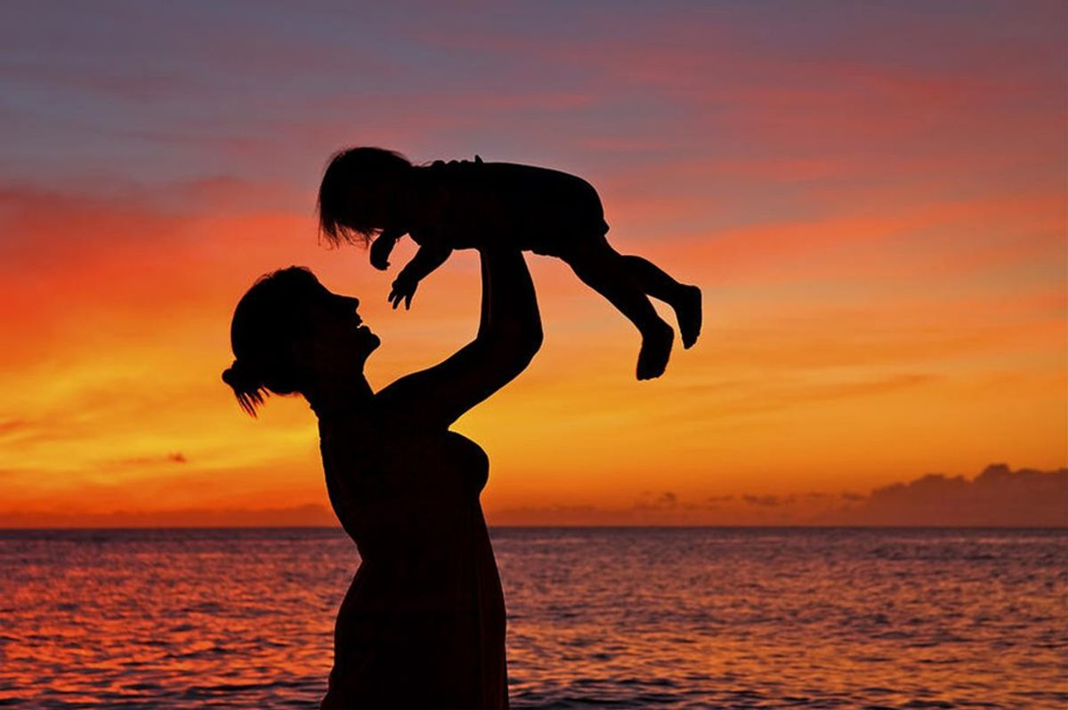 An Open Letter To The Young Mom Who Keeps Going