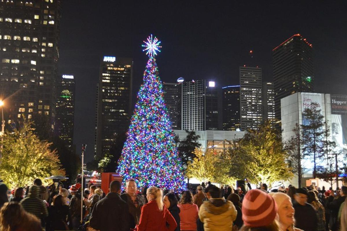 7 Ways To Enjoy The Holidays In Dallas