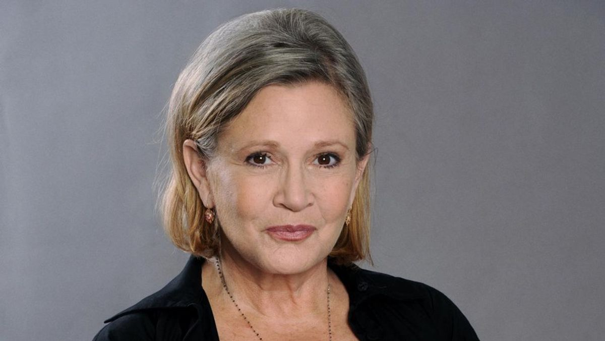 Carrie Fisher Suffers Heart Attack Aboard Plane