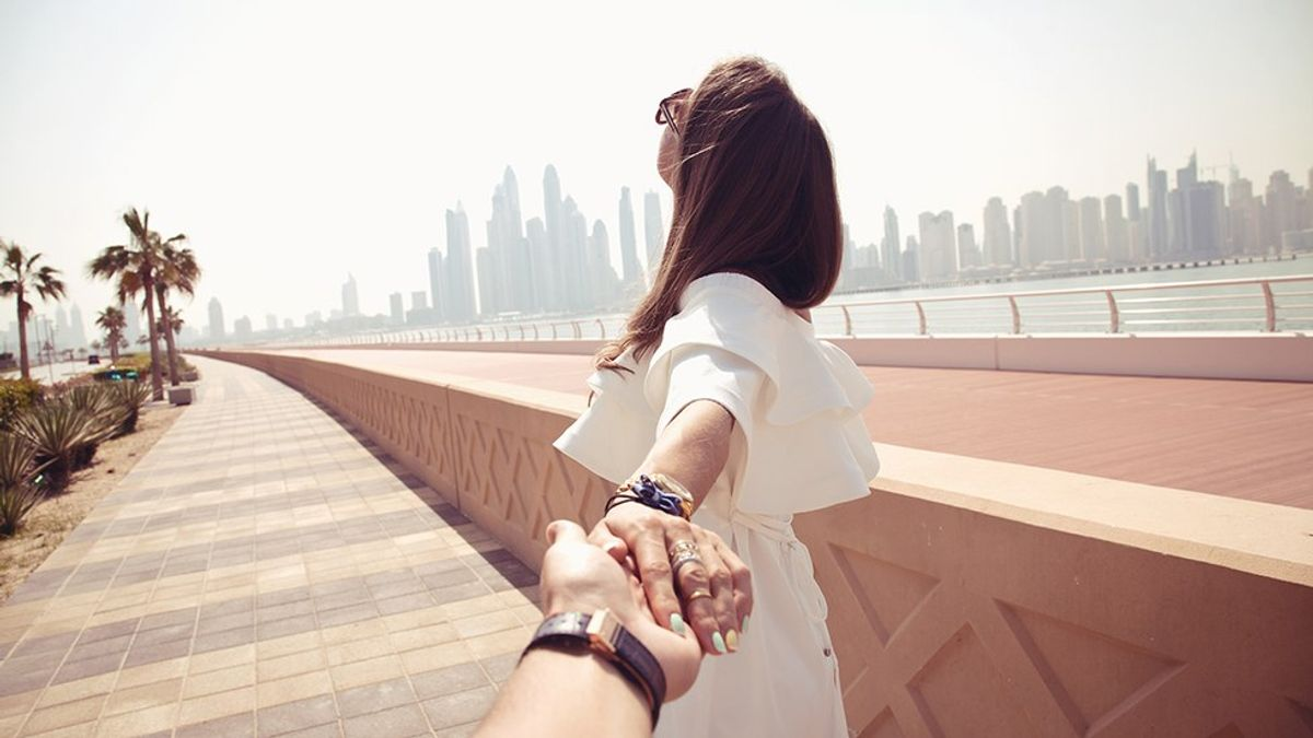Why 2017 Needs To Be The Year We Bring Back Meaningful Relationships