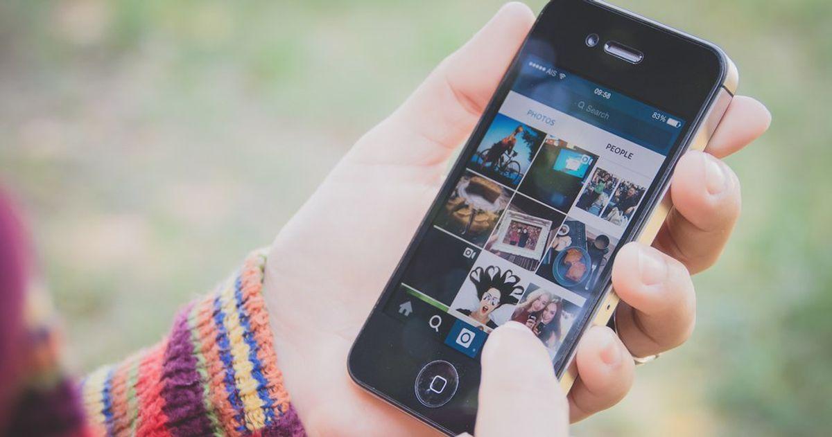 Keeping Estranged Friends On Social Media Is Toxic